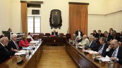 Τέλος στο καθεστώς της παράνομης λειτουργίας των τηλεοπτικών σταθμών, ζήτησαν τα κόμματα κατά την ακρόαση του