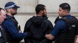 Αντιτρομοκρατική επιχείρηση στο Λονδίνο: Πυροβόλησαν μια γυναίκα και συνέλαβαν τέσσερα