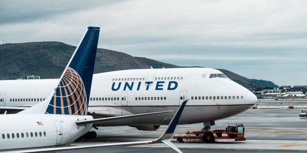ΗΠΑ: Το ποσό των 10.000 δολαρίων προσφέρει η United Airlines σε όσους θα εγκαταλείπουν εθελοντικά τις...