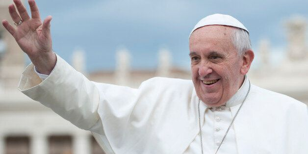 Πάπας: «Μου διηγήθηκαν ότι στο γαλλικό ντιμπέιτ οι υποψήφιοι πέταγαν πέτρες. Έτσι χάνεται η έννοια του