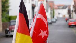 Γερμανία: Οι αρχές έδωσαν άσυλο σε Τούρκους στρατιωτικούς σύμφωνα με γερμανικά