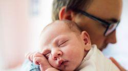 Τουλάχιστον δέκα ημέρες άδεια πατρότητας προτείνει η Κομισιόν για όλους τους