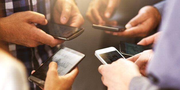 Πώς δρούσε η «μαφία των κινητών τηλεφώνων». Κινητά αξίας... 58.000.000