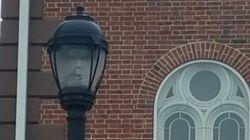 Το...φάντασμα της λάμπας του Σάλεμ: Η «ανατριχιαστική» φωτογραφία που ενθουσίασε το