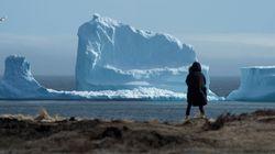Παγόβουνο – γίγαντας προσελκύει τουρίστες σε πόλη της Νέας Γης στον