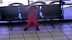 HΠΑ: 4χρονη γλιτώνει από βέβαιο θάνατο όταν σφαίρες περνούν δίπλα από το κεφάλι