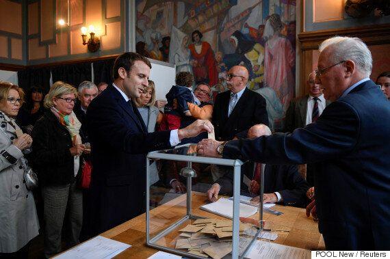Πρώτος γύρος προεδρικών εκλογών στη Γαλλία. 47εκατ. ψηφοφόροι, 11 υποψήφιοι, δύο θέσεις για τον δεύτερο
