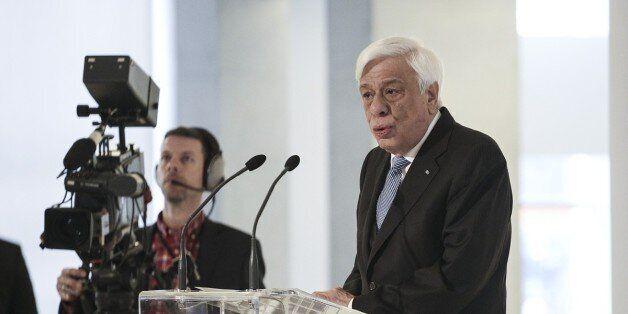 Παυλόπουλος: Δεν θα αφήσουμε να περάσουν τα υπολείμματα του