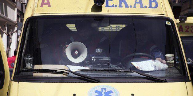 Τραγωδία στη Θήβα: 59χρονος σκοτώθηκε ενώ επισκεύαζε το αυτοκίνητό