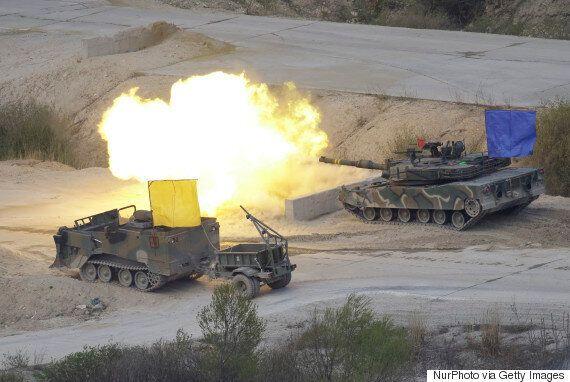 Εκατέρωθεν «λεονταρισμοί» στην Κορεατική Χερσόνησο, με μεγάλες στρατιωτικές ασκήσεις και από τις δύο