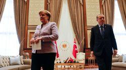 Η Μέρκελ καλεί τον Ερντογάν σε έναν «διάλογο με