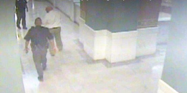 Παιδεραστής που βίασε και σκότωσε 10χρονη αυτοκτόνησε μέσα στο