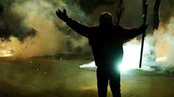 Αλλεπάλληλες επιθέσεις σε διμοιρίες των ΜΑΤ, στα Εξάρχεια. Τέσσερις