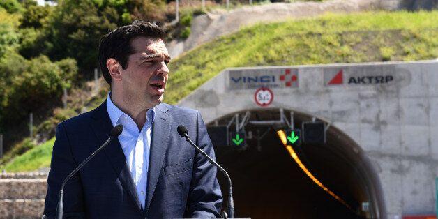 Τσίπρας: Ανοίγουμε το δρόμο για να βγει η Ελλάδα από την οικονομική