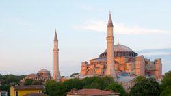 Πλαστή η υπογραφή του Ατατούρκ για να γίνει η Αγία Σοφιά μουσείο, ισχυρίζεται Τούρκος ιστορικός. Θέλουν να την κάνουν