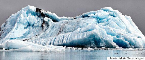 «Στόλος» εκατοντάδων παγόβουνων «εισέβαλε» στον βόρειο Ατλαντικό, στα νερά όπου βούλιαξε ο