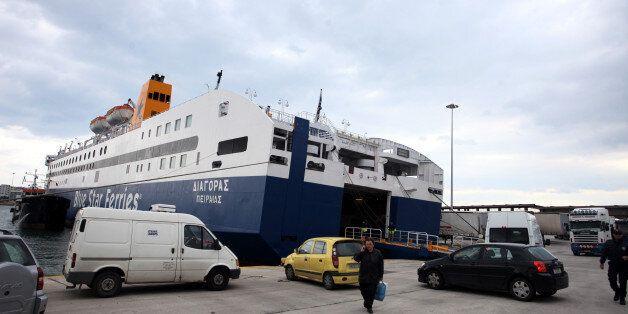Αυξημένη η κίνηση στα λιμάνια του Πειραιά, της Ραφήνας και του Λαυρίου λόγω της εξόδου για το