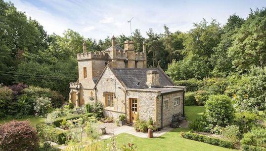 Ένα λιλιπούτειο κάστρο στη Βρετανία θα κάνει πραγματικότητα όλα σας τα