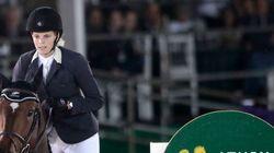 Τραυματίστηκε η Αθηνά Ωνάση μετά από πτώση από το άλογό της σε αγώνα στο