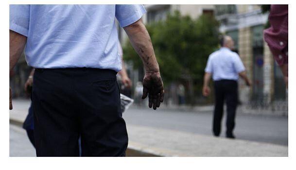 Ποιοι ευθύνονται για τις επιθέσεις στα μέσα μεταφοράς; Τι λένε ΟΑΣΑ, ΕΛ.ΑΣ. και ένας