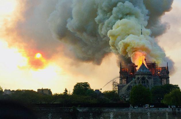 Incendie à Notre Dame de