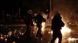 Επίθεση με βόμβες μολότοφ κατά διμοιρίας των ΜΑΤ στην Χαριλάου