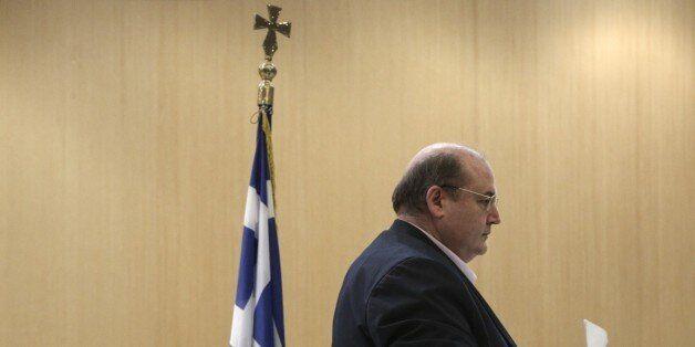 Επαναφέρει το θέμα διαχωρισμού κράτους-Εκκλησίας ο Φίλης. «Η κυβέρνηση της Αριστεράς δεν πρέπει να υποκύψει...