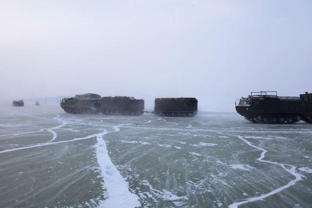Για πρώτη φορά στον κόσμο αποστολή του ρωσικού υπουργείου Άμυνας έφθασε στην νήσο Κοτέλνι της