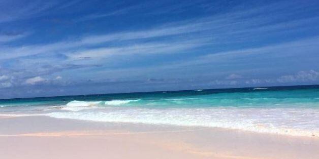 Οι 10 ομορφότερες ροζ παραλίες - Ανάμεσά τους δύο
