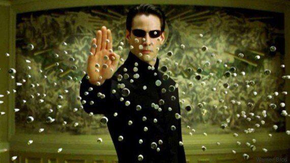 Το Hollywood ετοιμάζει νέο «Matrix» και οι φαν της πρωτότυπης ταινίας δεν είναι καθόλου, αλλά καθόλου