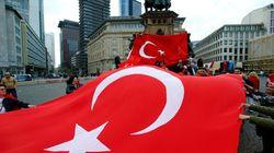 DW: Γιατί οι Τούρκοι της Γερμανίας θα στηρίξουν τον Ερντογάν στο