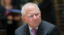 Suddeutsche Zeitung: O Σόιμπλε δεν βοηθάει κάνοντας προεκλογικό αγώνα με το