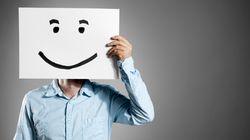 Γιατί η εμμονή μας με τη «θετική σκέψη» μας κάνει στην ουσία