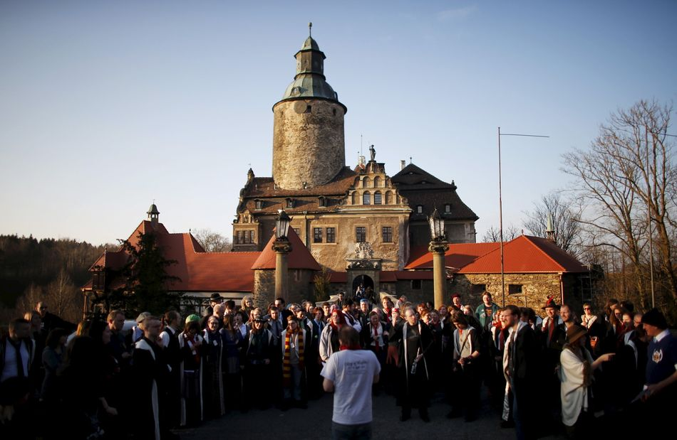 """O Castelo de Czocha, na Polônia, virou um destino procurado por fãs de """"Harry Potter"""" que querem participar do evento de role-play ao vivo """"College of Wizardry""""."""