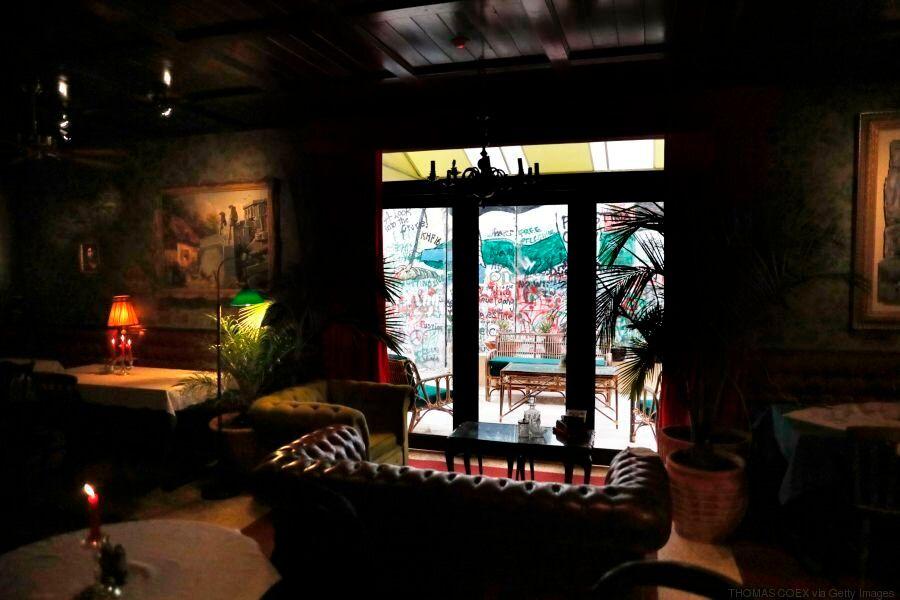 Ο Banksy άνοιξε το πρώτο του ξενοδοχείο δίπλα στο τείχος της