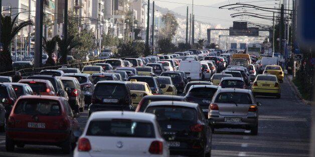Έρχονται πρόστιμα για όσους δεν έχουν έχουν περάσει ΚΤΕΟ και δεν έχουν ασφαλίσει το όχημά
