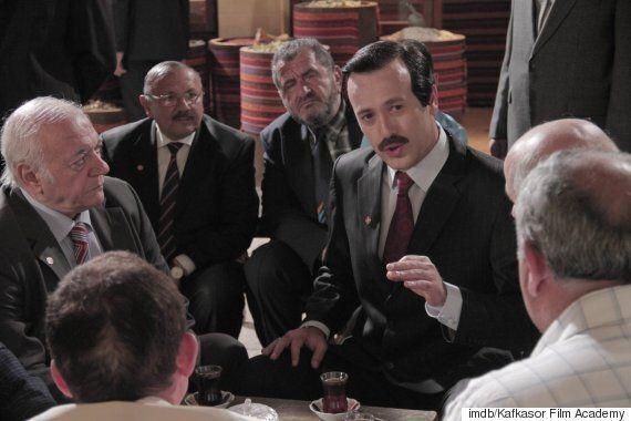 «Reis». Η ταινία για τη ζωή του Ερντογάν βγήκε στις αίθουσες και είναι ό,τι περιμέναμε. Μια προπαγανδιστική