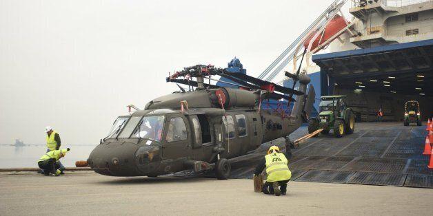 Η αμερικανική 10η Ταξιαρχία Αεροπορίας Στρατού στο λιμάνι της