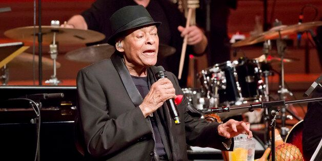 BERLIN, GERMANY - NOVEMBER 15: American singer Al Jarreau performs live during a concert at the Philharmonie...