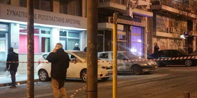 Άγνωστοι πέταξαν μολότοφ στα γραφεία του