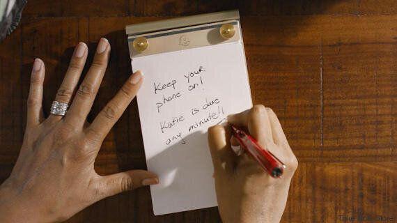 Η συγκινητική ιστορία της ζωής ενός ζευγαριού μέσα από τα σημειώματα που ανταλλάσσουν κάθε