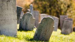 Βεβήλωση ιστορικού εβραϊκού νεκροταφείο στις ΗΠΑ. Κατέστρεψαν περισσότερες από 100