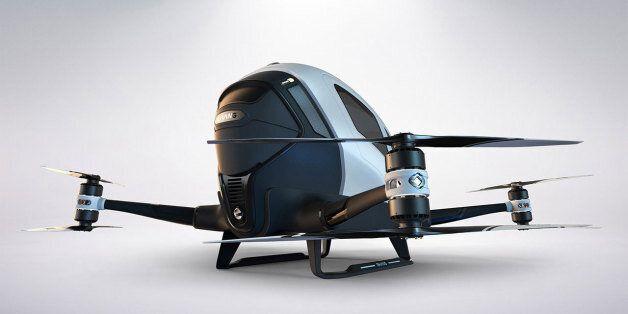 Το Ντουμπάι θα αποκτήσει μέχρι το Ιούλιο το πρώτο ιπτάμενο ελικοφόρο αυτόνομο μονοθέσιο ταξί (χωρίς