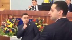 Ξύλο σε συνεδρίαση δημοτικού συμβουλίου στην Ουκρανία λόγω ομιλιών στα