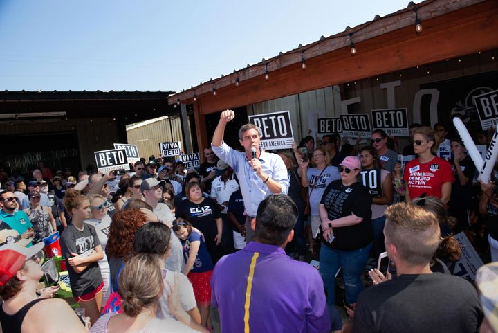 Democratic presidential candidate Beto O'Rourke rallies the crowd for Markowitz.
