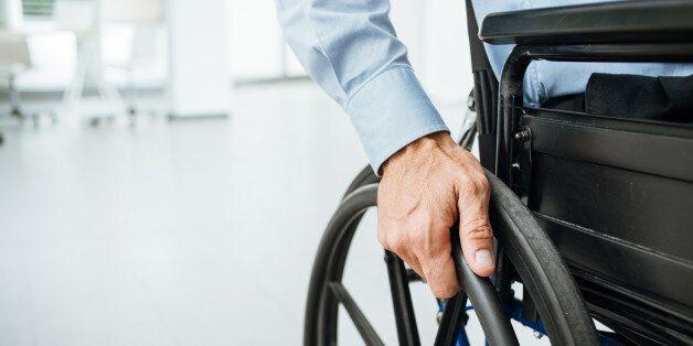 Άτομα με αναπηρία: Η θεωρία της ένταξης, ιατρικό και κοινωνικό