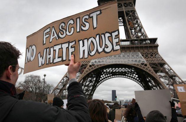 Χιλιάδες άνθρωποι διαδήλωσαν κατά του Τραμπ στην Ευρώπη και