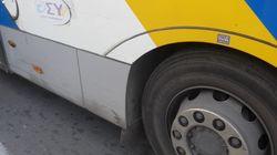 Επίθεση κουκουλοφόρων με βαριοπούλες σε λεωφορείο του