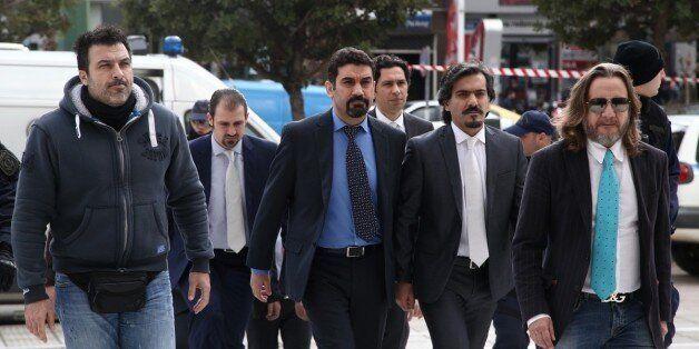 Πρωτοδικείο Αθηνών: Να παραμείνουν κρατούμενοι οι 8 Τούρκοι