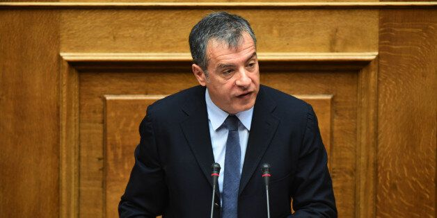 Θεοδωράκης: Η Ελλάδα κατρακυλάει στη διαφθορά. Κανένας συντονισμός, κανένας έλεγχος. Μόνο